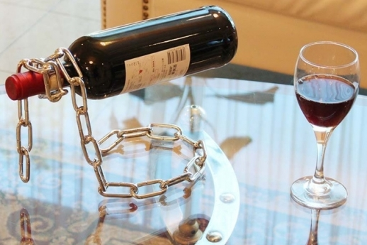 WINE BOTTLE HOLDER CHAIN